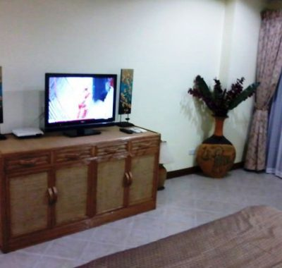 Room with flat screen tv