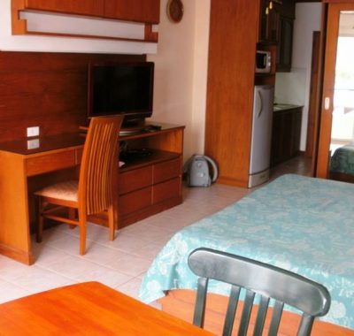 Large TV and desk in View Talay 1 rental