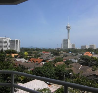 Condo rental with large balcony and sea views